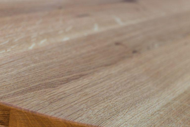 Tips for massive wood tops maintenance - Empero Contract